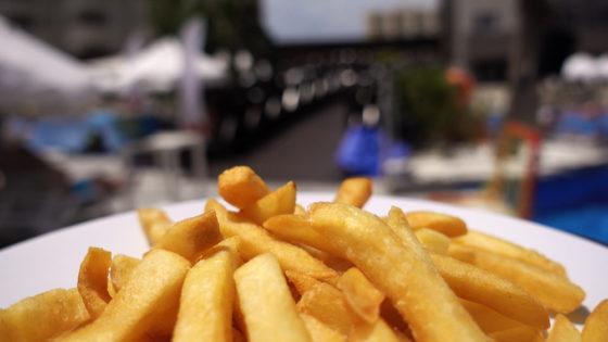 Deskundigen: 'Zwemmen en friet horen bij elkaar'