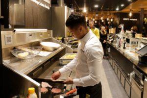 7 frituurmedewerkers verkozen tot Parel van het Jaar