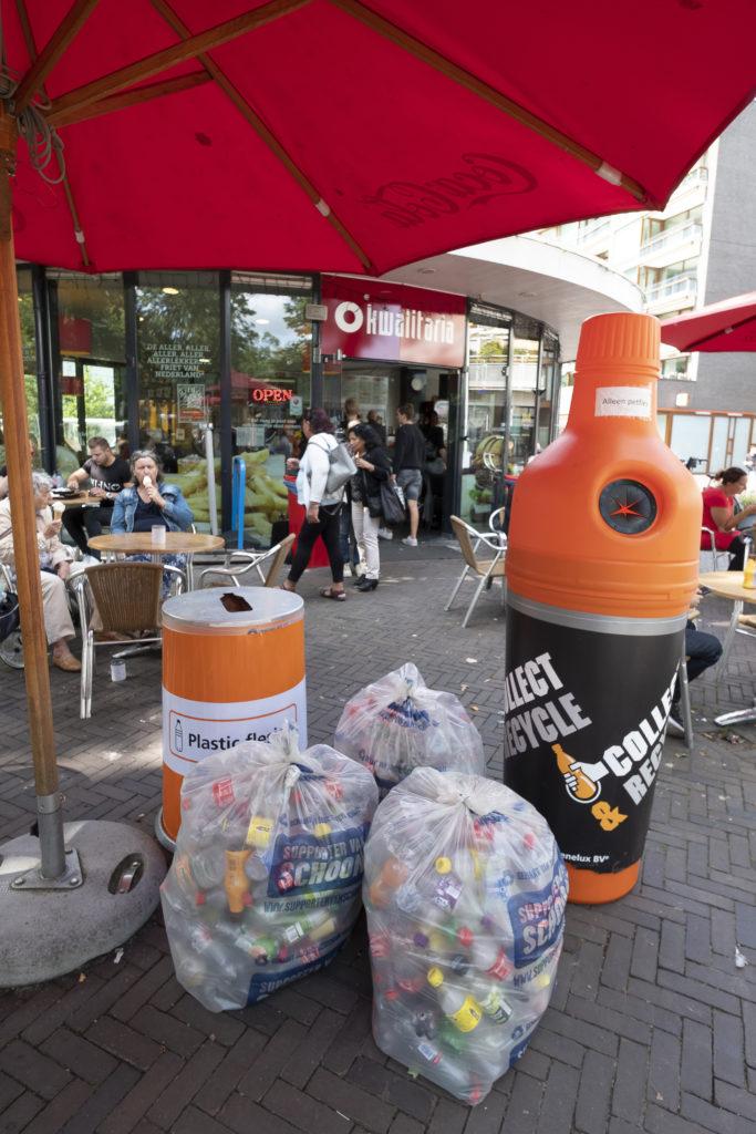 Kwalitaria de Bikbar plastic