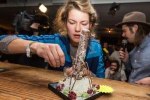 Kunstzinnige frikandellenwedstrijd tijdens Dutch Design Week