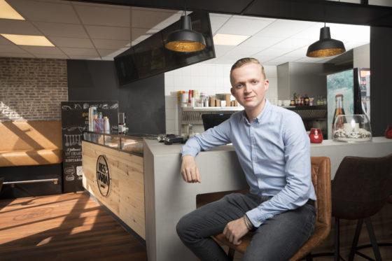 Hans van Ballegooijen, Restaria: 'Het is tijd dat de cafetaria verandert'