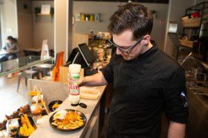 Cafetaria Lekkerrr heeft de smaak te pakken met frietspecials en sauzen